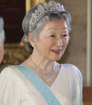 皇后美智子様の若い頃が美人すぎ!!幼少期の画像から現在まで